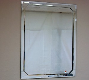 bevel-framed-mirror (angled corners)